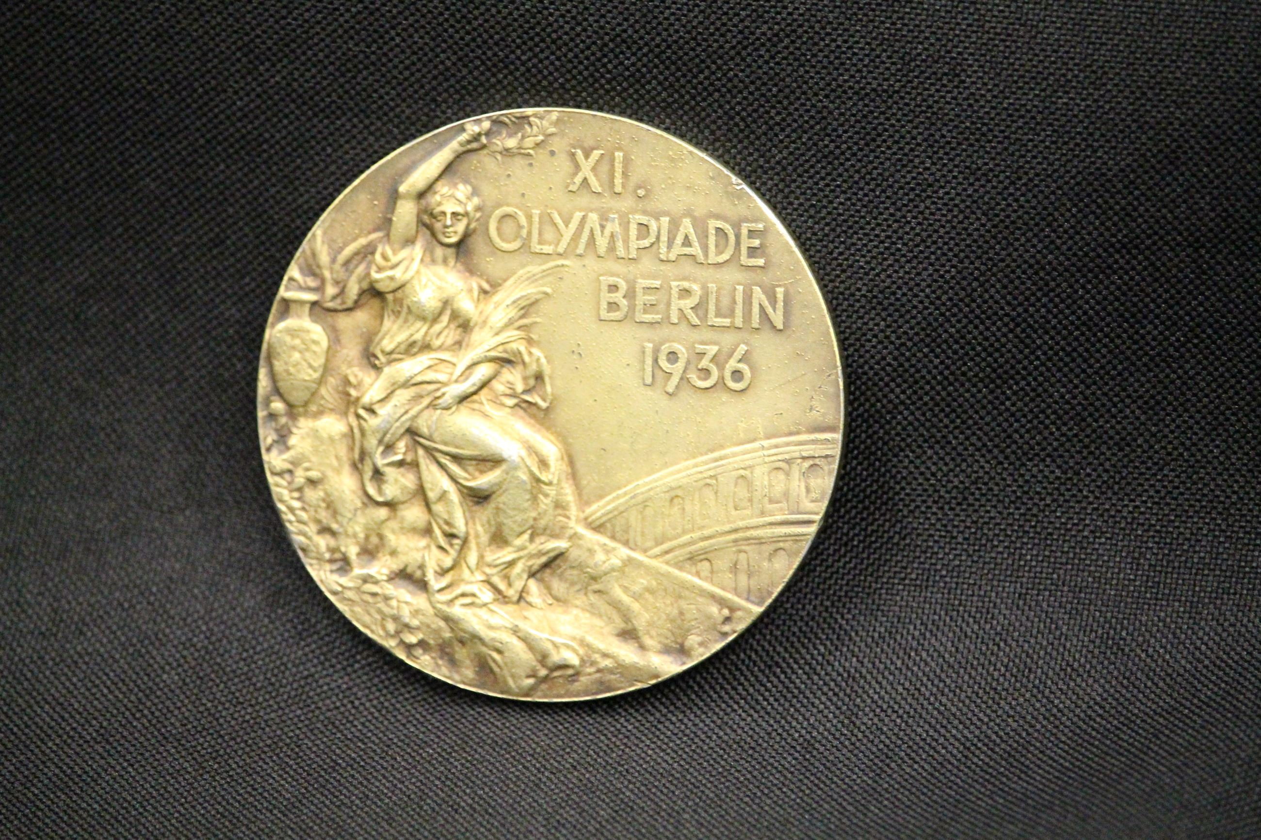 1936OlympicGoldMedal3